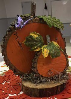 Fall Wood Crafts, Halloween Wood Crafts, Wood Slice Crafts, Autumn Crafts, Diy Halloween Decorations, Fall Halloween, Decor Crafts, Holiday Crafts, Driftwood Crafts