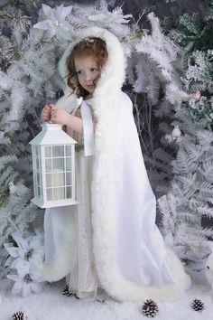 Baby Christmas Photos, Christmas Portraits, Christmas Scenes, Winter Kids, Baby Winter, Christmas Photo Background, Christmas Backdrops, Christmas Photography, Photo Studio