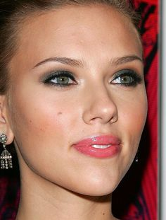 Scarlett Johansson makeup by raychylle, via Flickr