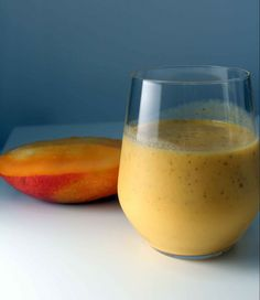 Mango and coconut smoothie with ginger/Smoothie de manga e cocô com gengibre