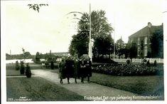 Østfold fylke Fredrikstad Det nye parkanlegg ved Kommunelokalet brukt 1921, utgiver Kuenholdt