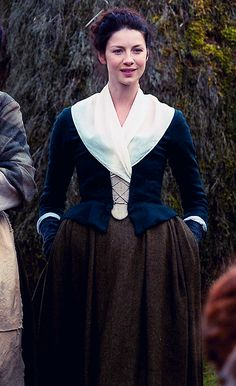 Caitriona Balfe, Claire Randall - Rent - Outlander (TV Series, 2014- ) Series Costume Design by Terry Dresbach + Glenne Campbell #dianagabaldon