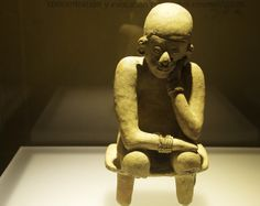 Museo del Oro - Bogota's must see gold museum does a first class job showcasing its artifact collection - with pieces in gold, stone, pottery & metal Class Jobs, Ecuador, Art And Architecture, Travel Photos, The Incredibles, Bike, Statue, Thursday, Gold