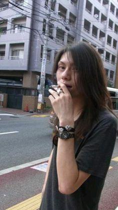 Dir en grey, Die// Just wish he didn't smoke