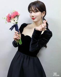 Suzy Bae For The Baeksang Arts Awards 2018 Miss A Suzy, Human Poses, Bae Suzy, Kpop Fashion Outfits, Korean Actresses, Korean Celebrities, Korean Beauty, Asian Beauty, Most Beautiful Women
