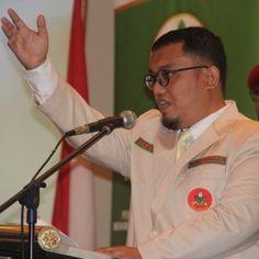 Islam Garis Lurus: Pesan Ketua Umum PP Pemuda Muhammadiyah Kepada Pen...