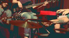 Ao todo são nove bandas instrumentais que se apresentam no palco do Festival Porto Alegrense de Bandas Instrumentais, que tocam jazz, surf music, afrobeat e post-rock.