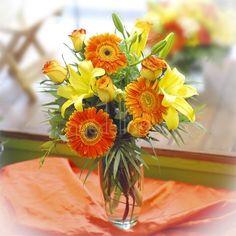Summer Magic - #gerberasnaranjas #liliummarillo - envío de flores a toda la península - www.quedeflores.com