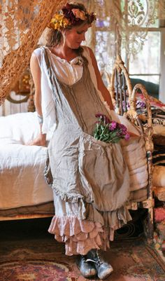 """Junk and Stuff"" at ""Through The Garden Gate"": Coming April Fashion Show .Magnolia Pearl and So Sew Eco! Magnolia Pearl, Mori Girl, Bohemian Mode, Bohemian Style, Boho Outfits, Fashion Outfits, Boho Fashion, Fashion Show, Look Boho Chic"