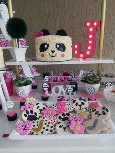 Decoración de oso panda Cake, Desserts, Food, Bear Decor, Party, Pie Cake, Meal, Cakes, Deserts