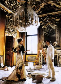 Google Image Result for http://awhitecarousel.com/wp-content/uploads/2010/12/Thats-Amore-Vogue-US-July-2005-6.jpg