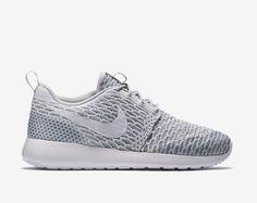 Nike Roshes!!