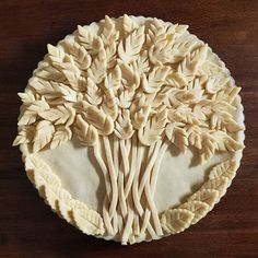 Wishing everyone a Happy Thanksgiving! A bundle of grain to celebrate the day. Swipe left to see the baked pie. Creative Pie Crust, Pie Crust Recipes, Pie Crusts, Thanksgiving Desserts, Happy Thanksgiving, Pie Crust Designs, Pie Decoration, Pies Art, Pastry Design