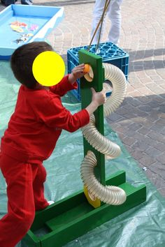 Ludobus Legnogiocando furgone che porta in ogni luogo i giochi in legno della collezione Legnogiocando realizzata da Manuel Pucci