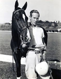 Best of both worlds, old movies and horses: Leslie Howard and a polo pony :-) Old Hollywood Movies, Hollywood Actor, Hollywood Stars, Classic Hollywood, Harold Lloyd, Harry Belafonte, Classic Movie Stars, Classic Films, Old Movies