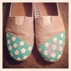 Hand painted monogram on Toms. Going to invest in some cheap, knock-off Toms and paint them. Very excited for this. Painted Toms, Hand Painted Shoes, Chevron Monogram, Painted Monogram, Toms Sale, Cheap Toms, Toms Shoes Outlet, Diy Fashion, Fashion Trends