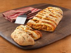 Get this all-star, easy-to-follow Food Network Braided Spaghetti Loaf recipe.