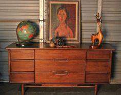 Gorgeous Mid Century Modern Kent Coffey 'The Eloquence' Credenza