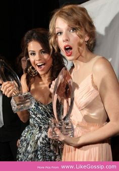 Taylor Swift Stands by Selena Gomez Side After VMA Win - See more at: http://www.likegossip.com/taylor-swift-stands-by-selena-gomez-side-after-vma-win/