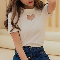 Buy Ashlee Heart Mesh Panel Short-Sleeve T-shirt at YesStyle.com! Quality products at remarkable prices. FREE WORLDWIDE SHIPPING on orders over US$ 35.