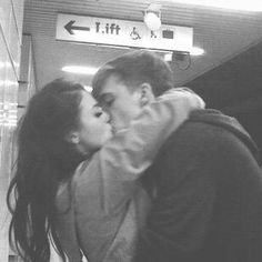 pinterest: @adamarisholguin/ elegant romance, cute couple, relationship goals, prom, kiss, love, tumblr, grunge, hipster, aesthetic, boyfriend, girlfriend, teen couple, young love, hug image, drinks, lush life, luxury