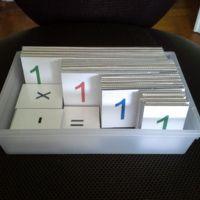 cartons montessori jusqu'aux milliards.pdf   par teba1      Voici enfin un de mes chantiers de l'été terminé !  Les cartons Montessori... Ces cartons...