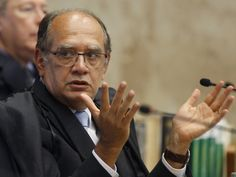 Ministro Gilmar Mendes em sessão plenária : Gilmar Mendes acusa PT de 'cleptocracia'