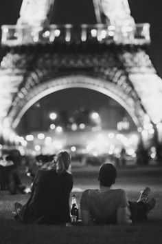 Pin for Later: 50 Most Pinned Awe-Inspiring Travel Spots The Eiffel Tower, Paris A trip to France is not complete without visiting this iconic tower. Source: Courtesy of jkhani via Pinterest