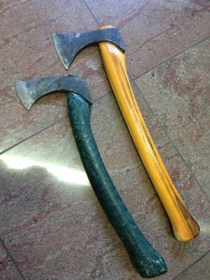 Photos Axe Tomahawk & Hatchet