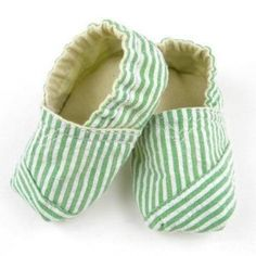 TOMS inspired baby shoes. Free Pattern