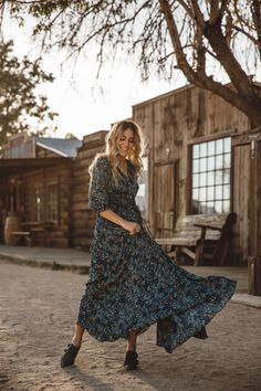 DANCING WITH FLYING COLORS, floral maxi dress, fall maxi dress, Los Angeles blogger