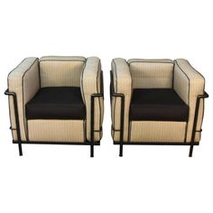 Pair of LC2 Le Corbusier Chairs with Black Frames