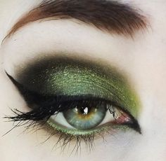 Sultry sexy smokey green eye