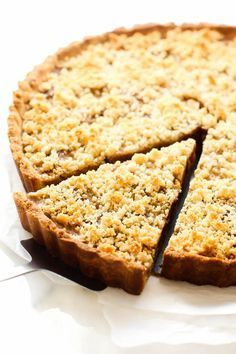 Almond & Medjool Date Tart. A healthier vegan gluten-free take on a date tart with a luxuriously creamy filling surrounded by a buttery rich oil-free almond crust! Gluten Free Baking, Gluten Free Desserts, Healthy Desserts, Just Desserts, Gluten Free Recipes, Healthy Treats, Holiday Desserts, Vegan Recipes, Finger Foods