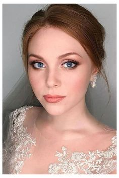 Wedding Makeup: 37 Gorgeous Ideas and Our Top Tips #natural #wedding #makeup #blue #eyes #blonde #naturalweddingmakeupblueeyesblonde Unsure how you'd like your wedding makeup to look on your big day? Scroll through these beautiful ideas, choose your favourite and show it to your makeup artist!
