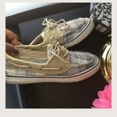 Sperry Top Sider Bought on poshmark but never wore, the owner stated the have been worn a few times, the are in perfect shape and form Sperry Top-Sider Shoes