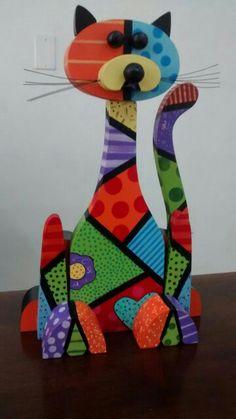 Elaborado por Sandra Patricia Cañon Correa Cute Baby Monkey, Geometric Cat, Clay Cats, Arte Country, Book Page Art, Christmas Wood Crafts, Cat Crafts, Beaded Ornaments, Mosaic Patterns