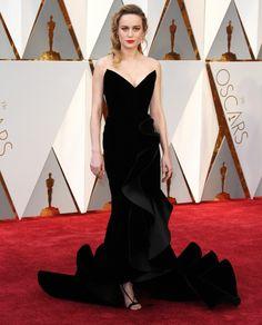 Brie Larson in Oscar de la Renta at the 2017 Academy Awards.