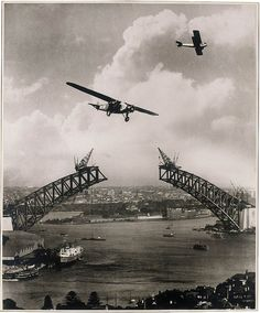 "Sydney Harbour Bridge during construction, with two aeroplanes, Charles Ulm's ""Southern Sun"" a Gypsy Moth / photomontage by Edward Searl (by State Library of New South Wales collection) Harbor Bridge, Sydney Harbour Bridge, Photos Du, Old Photos, Vintage Photos, Vintage Ideas, Brisbane, Melbourne, Sydney Australia"