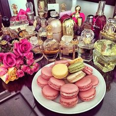 love macarons!! Xoxo check out my page Regina Zipperer Luxury Fragrance - http://amzn.to/2iFOls8