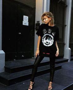t-shirt hailey baldwin leggings pants sandals instagram shoes leather leggings faux leather black t-shirt