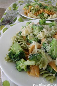 Pasta (fusilli o tornillo) con brócoli y queso | http://www.pizcadesabor.com/2012/12/15/fusilli-con-brocoli/