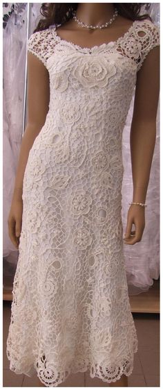 beautiful white crochet dress (looks really difficult to do)