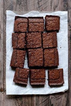 Beer Brownies - Joy the Baker Yummy Treats, Sweet Treats, Yummy Food, Just Desserts, Dessert Recipes, Bakery Recipes, Non Plus Ultra, Joy The Baker, Blondie Brownies