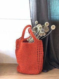 Diy Crochet Bag, Crochet Purses, Crochet Yarn, Crochet Magazine, Denim Bag, Summer Bags, Casual Bags, Knitted Bags, Crochet Accessories