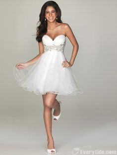 Wholesale 2011 Style A-line Sweetheart Short / Mini Organza White Homecoming / Sweet 16 / Cocktail Dress