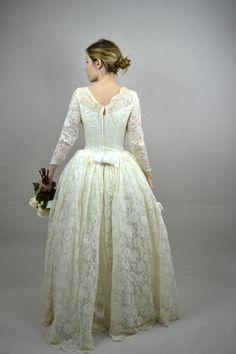 50s wedding dress / vintage 1950s wedding dress / by BreanneFaouzi, $185.00