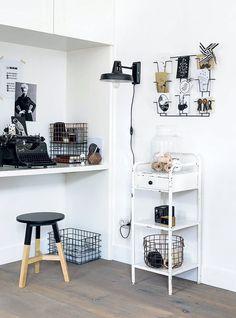 Gezien op 101woonideeen.nl: leuke werkplek in zwart en wit met accessoires en artikelen uit de 101 Woonideeen collectie!