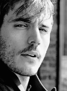 Sam Claflin Daily