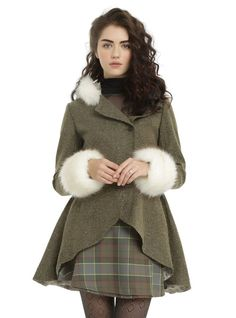 Outlander x Hot Topic Claire Riding Coat